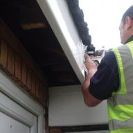 guttering-facia-being-installed-9